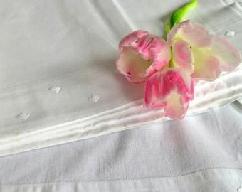 Bed sheet - Drap de Lin - white Vintage bedclothes - Monogram GD