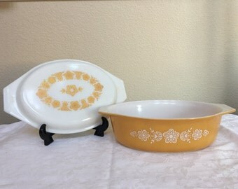 Pyrex Butterfly Gold 045 with matching lid