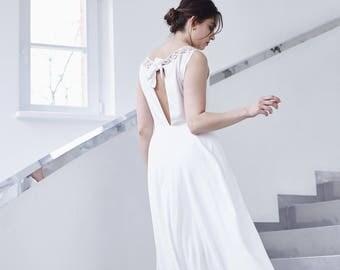 STEROPE - organic wedding dress with handmade lace
