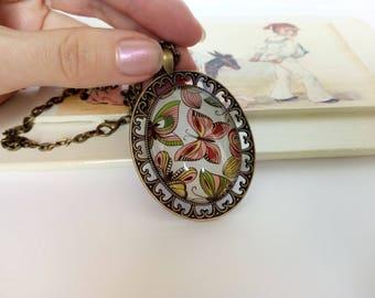 Butterfly pendant necklace / Butterfly art necklace / Butterfly glass necklace / Vintage style necklace butterfly / Oval pendant necklace