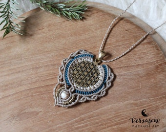 Macrame necklace 'Flower of Life' Ice Princess '