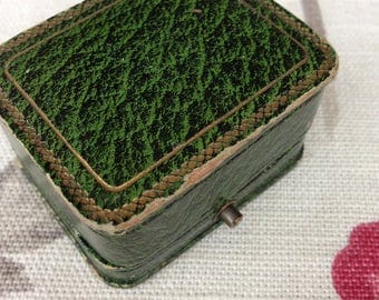 Antique Vintage Jewellery Box Jewelry Case Green Silk Lined