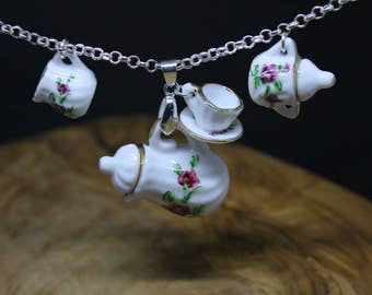 Teapot, Sugar bowl & milk jug Necklace, china / porcelaine tea set. Handmade, Dolls House accessories, Flower Print,