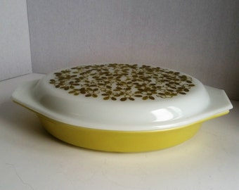 Pyrex Verde Green Divided Casserole Dish with Lid