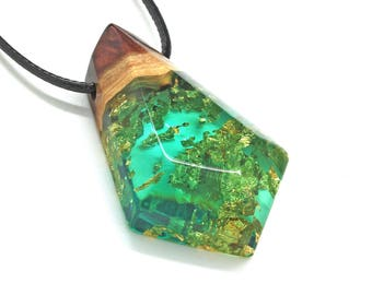 Geometric Necklace, Triangle Necklace, Resin Necklace, Wood Resin Jewelry, Epoxy Resin, Triangular Jewelry, Wooden Necklace, Handmade