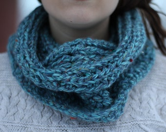 Chunky Crochet Cowl in {Flecked Turquoise}