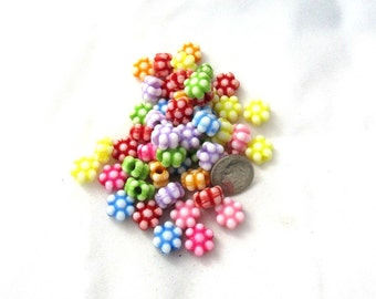 100 Assorted Color Acrylic Flower Beads (s7f)