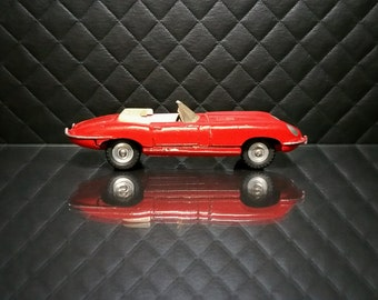 Vintage Dinky Toys 120 Jaguar E Type Red Convertible