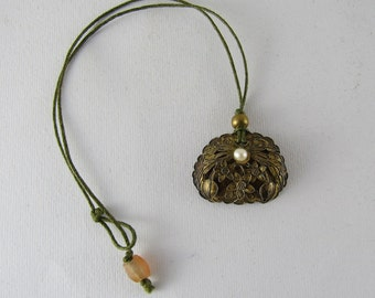 Antique chinese pendant necklace