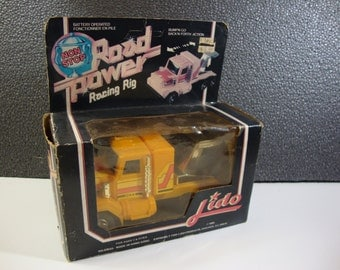 1983 Lido Road Power Racing Rig In Original Box Vintage Battery Operated Back and Forth Action Toy Truck