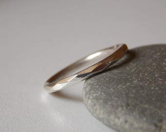 Silver fine and modern faceted ring. for women