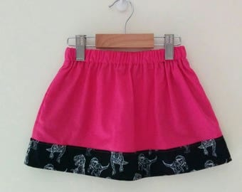 size 2 skirt with elasticised waist and contrast trim and internal pockets *READY TO POST* {One only}