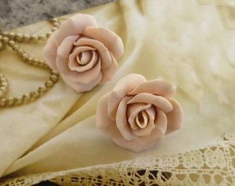 Ivory earrings Сream colored earrings Pastel earrings Bridal Earrings Wedding Earrings Ivory flower earring Ivory rose studs Ivory rose post