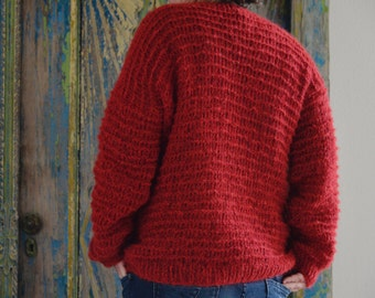 Red, loosely falling alpaca sweater 36-40