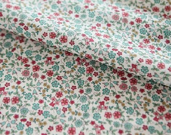 """Lawn Tiny Wild Flower patterned Fabric made in Korea by Half Yard / 45 X 140cm 17.5"""" X 55"""", Cotton"""