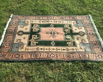 "Hand-Knotted Persian Rug, Geometric Tabriz Rug (Beige, Green, Pink) 176cm x 117cm (5'8"" x 3'8"")"