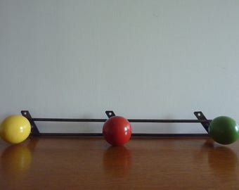 Coat in metal with 3 hooks painted wood (yellow, red and green) and 3 hanging points, 1950s vintage