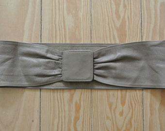 STEPHEN COLLINS Vintage Designer 1980's Beige Bow Leather Suede Womens Belt Size S
