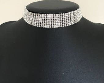 Beautiful silver diamanté choker