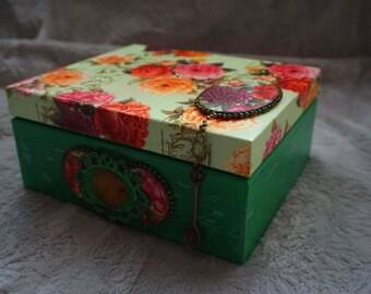 Tea box. Tea storage box. Wooden box. Tea bag box. Tea bag storage.