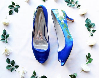 Royal blue Peep-toe wedding shoes with Rananculous and green leaves Hand-painted Custom satin Wedding Shoe