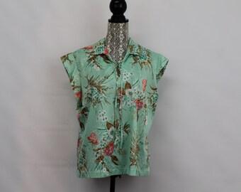 Vintage Women's Lewmar Creations Size 42  Medium Geisha Floral Print Teal Color Sleeveless Shirt
