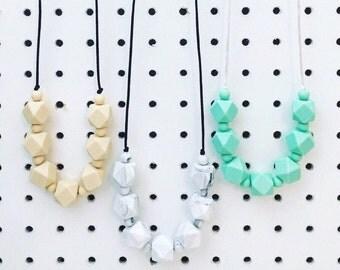 """Silicone Teething Necklace """"Natasha"""", breastfeeding necklace, teething jewellery, marble, geometric"""