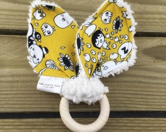 Organic teething toy, ring teether with organic cotton, comic print, baby gift