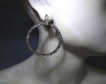 Earrings with silver-plated copper clasp