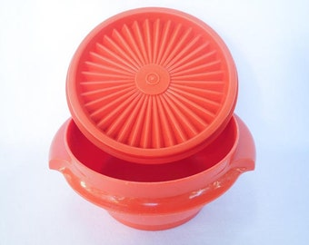 TUPPERWARE RED VINTAGE, 1-1/2 cup, grandmas containers, kitchen storage, groovy 1970s colors, sunburst, servalier