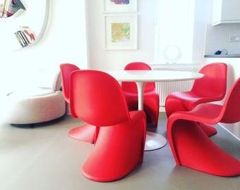 5 x Genuine design modern vintage red Verner Pantone chairs by Vitra