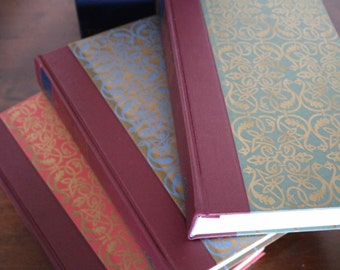Folio Shakespeare  The Complete Plays  3 Volumes  in Excellent Condition  Fine Slip Case.