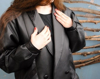Vintage leather women's jacket 1990s 1980s 1970s autumn spring wamus black leather coat BOOLING made in Italy