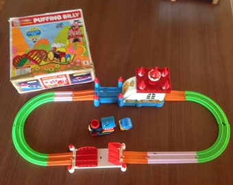 Rare Working TOLTOYS PUFFING BILLY Train Set Children's collectible vintage toy set