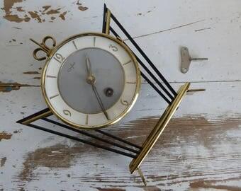 Orfac gesture metal tabel clock table clock-vintage fantastic clock 60 s