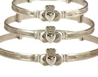 Sterling silver adjustable claddagh bangle