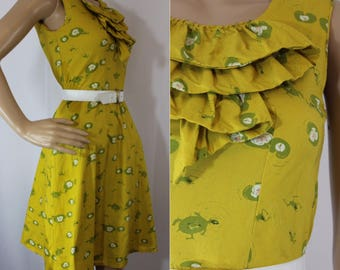 Modern does 60s mustard yellow wiggle dress with frogs jumping on lily pads pattern modern size 2 - 4 Small