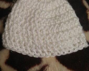 Simple crochet preemie beanie