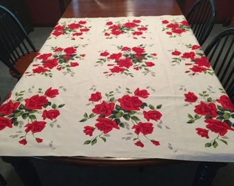 Wilendur Red Rose Tablecloth and Napkins