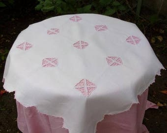 nice old, embroidered table Center rose pale, small tablecloth shabby