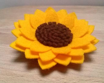 Sunflower Felt brooch, Gift for teacher, Wool Felt Sunflower brooch, Yellow flower brooch, Sunflower jewelry, Gift for mom, Sunflower Pin