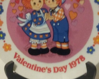Raggedy Ann and Andy Valentine's  Day Plate