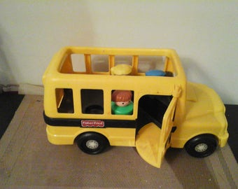Vintage 1991 Fisher Price Chunky Little People School Bus With 3 Chunky Little People