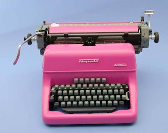 Hot pink Torpedo Solitaire typewriter