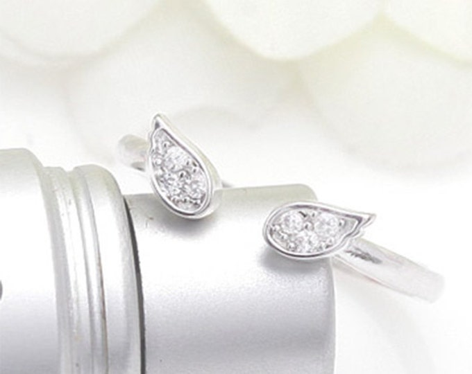 Silver Angel's wing Ring. Adjustable size