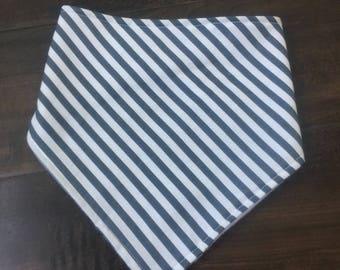 White and grey striped bib