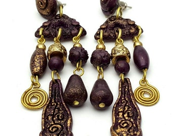 Plastic and gold tone lightweight metal Primitive Drop Earrings Vintage from the 90s Purple Mauve Violet Gypsy Dangle