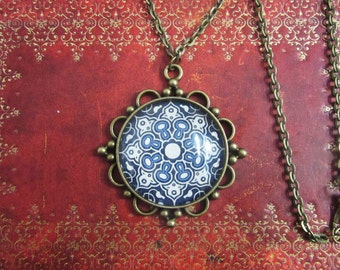 Pendant Cabochon glass Moroccan Pattern Arabesque-antique bronze charm