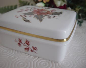 Royal Worcester Lynbrook  Trinket Box