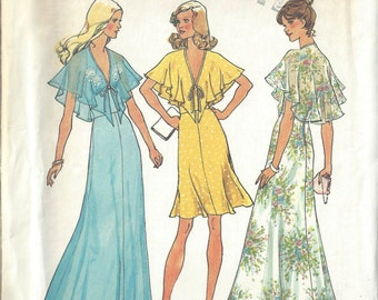 1975 Vintage Sewing Pattern B34 HALTER DRESS (1641) Simplicity 6898